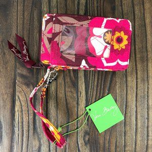 Vera Bradley All In One Wristlet in Carnaby NWT